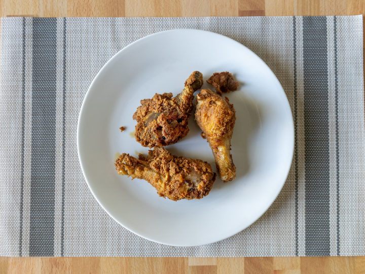 Reheated fried chicken using an air fryer