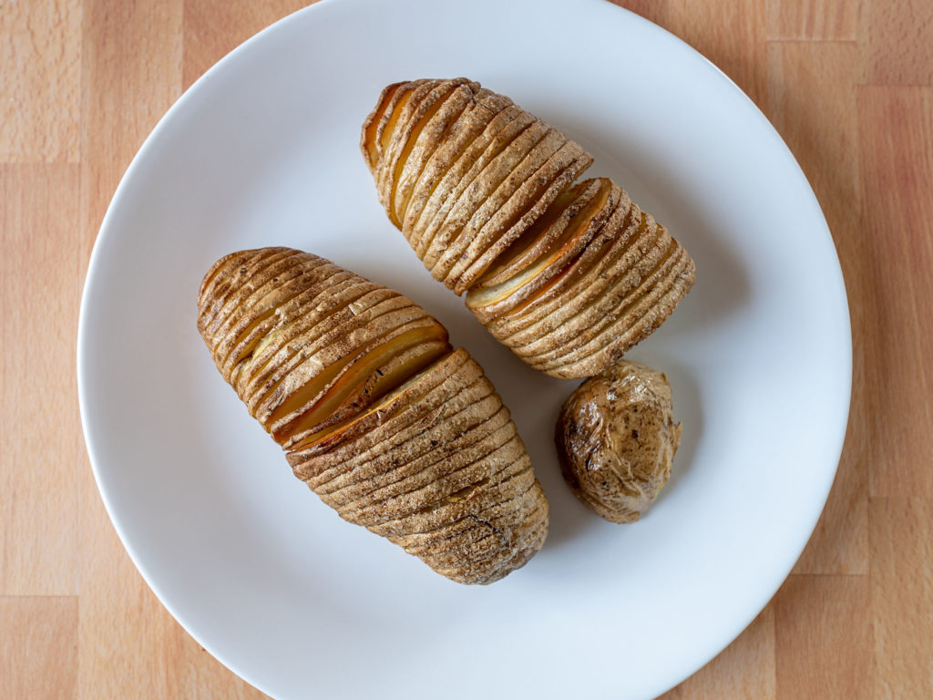 Air fried Hasselback potatoes