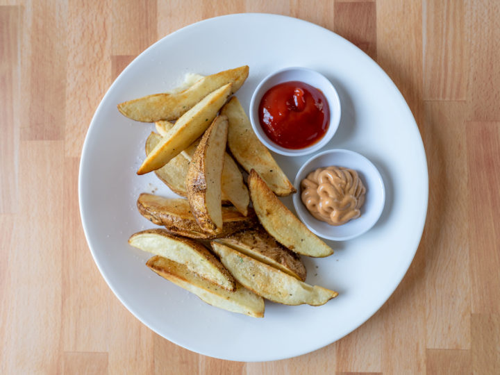 Air fried potato wedges
