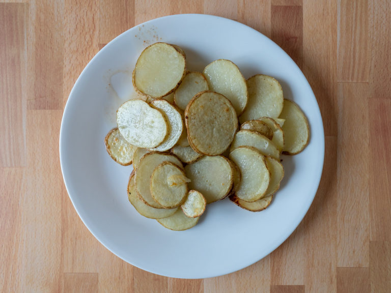 How to make sliced potatoes in an air fryer