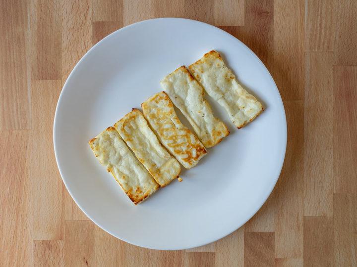 Air fried halloumi cheese