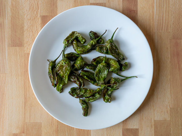 Air fried shishito peppers